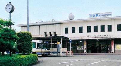 三次駅 芸備線と三江線が交わる三次駅。山陰と山陽とを結ぶ交通の要としての役割は昔も今も変わらない